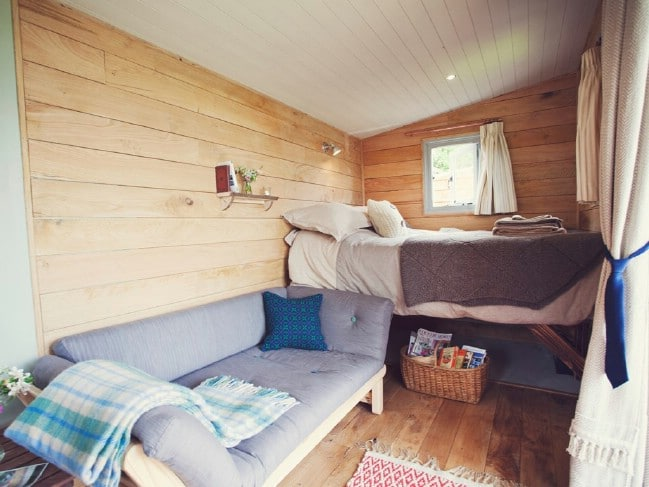 Burnt-Wood Cabin Is a Beautiful Rustic Camper With Some Glamorous Features