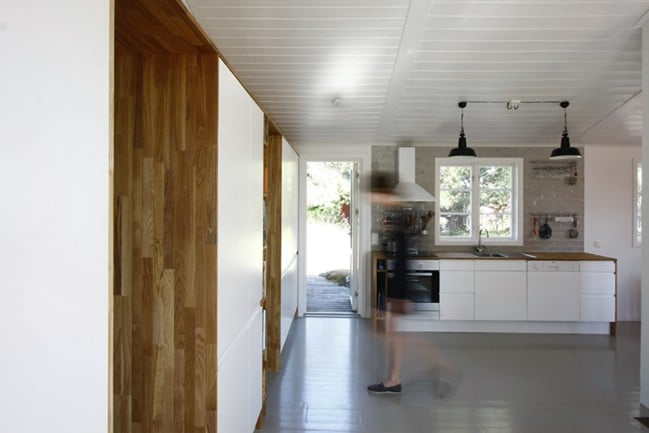 This Bright, Airy Tiny House Used To Be Dark and Claustrophobic
