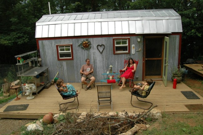 10 Practical Tips for Living in a Tiny House With Children