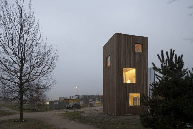 This Dutch Tiny House Pioneers Space-Saving Solutions for Urban Living