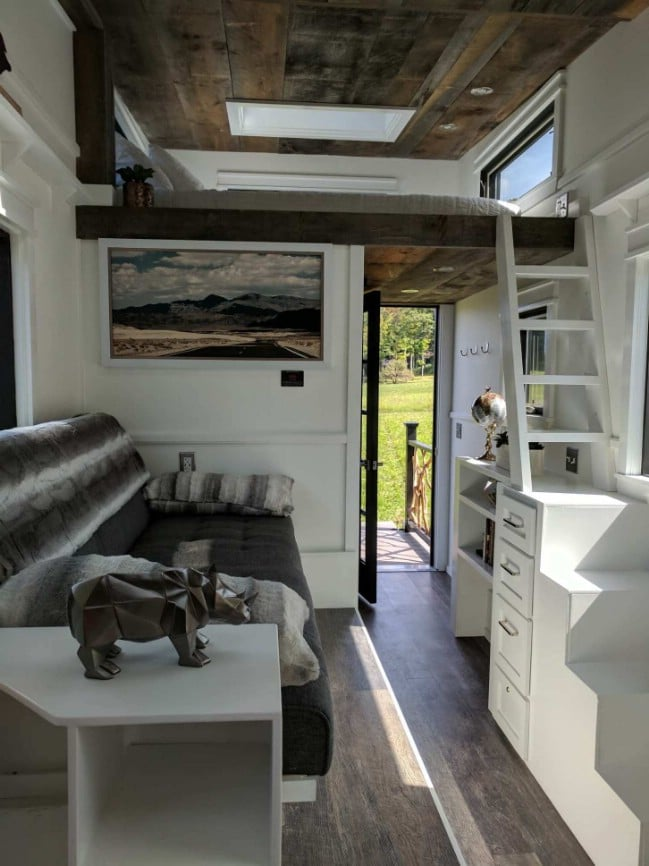 Fall in Love with the Charming 143-Square-Foot Arcadia by B&B Manufacturing