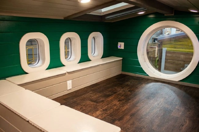 This Tiny House for Sale in Oregon Has a Nautical Vibe