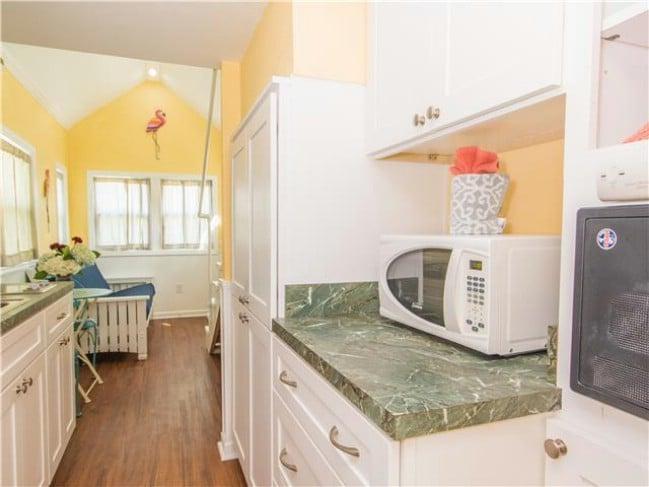 Take a Tropical Getaway in a Tiny Beach House in Sarasota