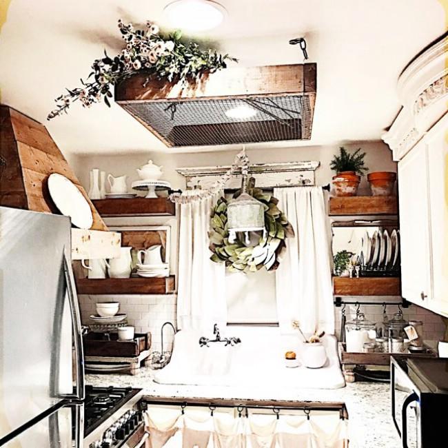 Mickie Johnson's beautiful tiny cottage