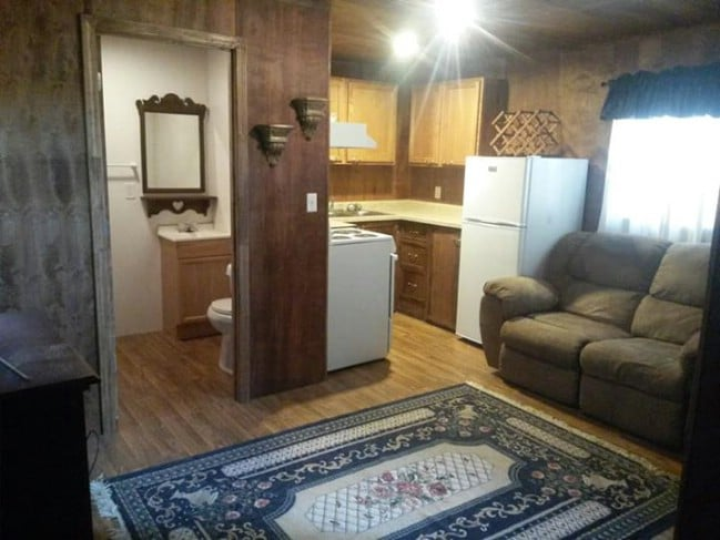 Rent This Tiny House in Qulin, MO to Find Out What the Tiny Life is Like