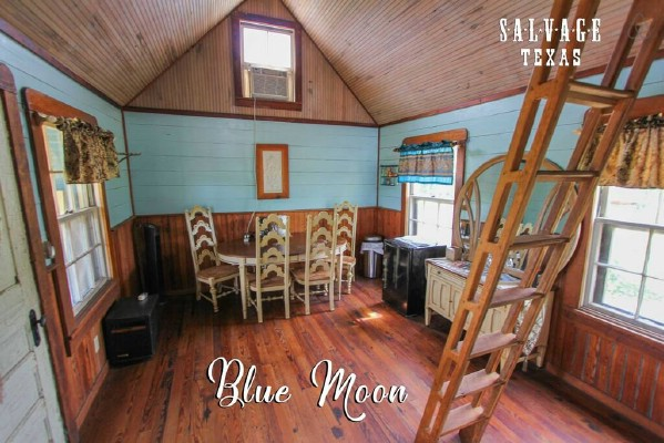 The Blue Moon Tiny House is a Cozy Dream Vacation House
