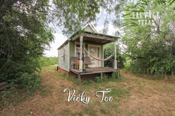 The Vicky Too Guest House is a Homey Tiny Accommodation