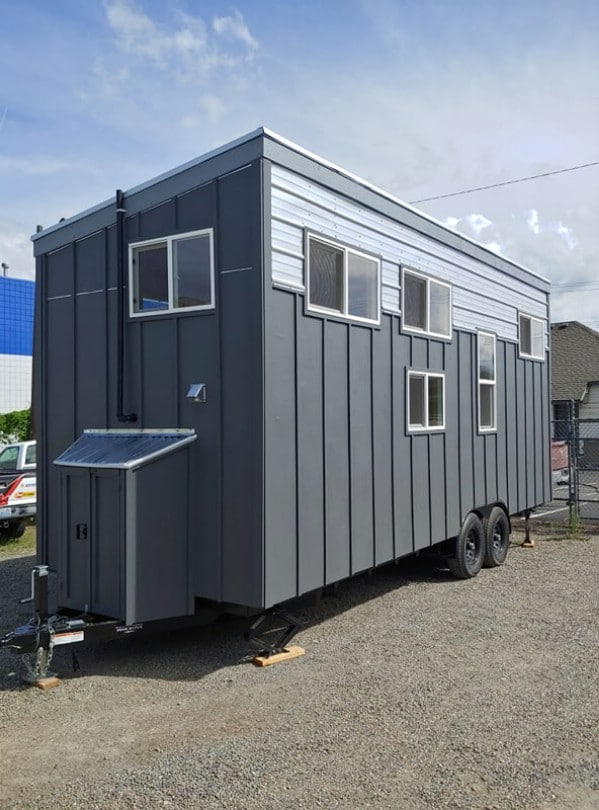 This 8 Foot Tiny House is Amazingly Spacious
