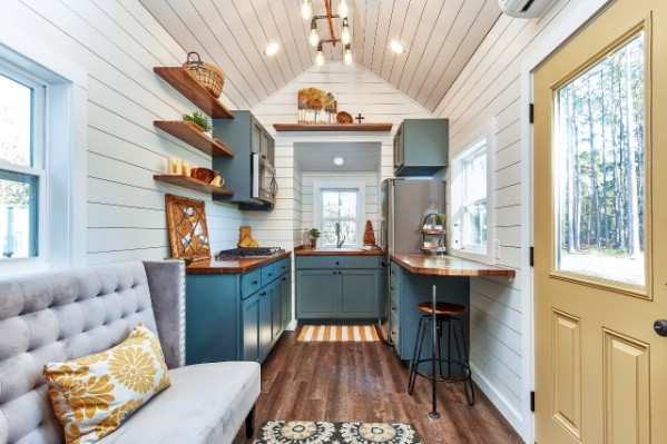 The Cypress is an Eye-Catching Modern Tiny House