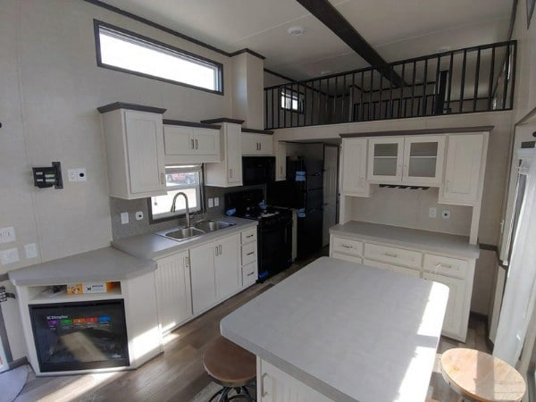Wide Open Space Makes the Grand Teton Park Model Home a Delight