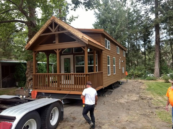 Stunning tiny house by Park Model Homes