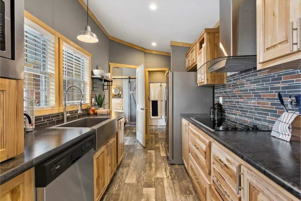 The Mindy Tiny House is a Contemporary Beauty {18 Photos}