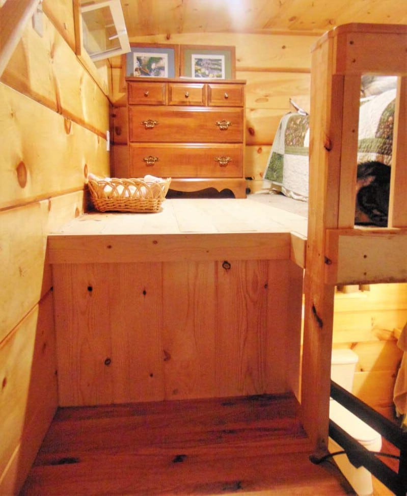 The Riverbend Tiny House is Perfect for a Cat Lover
