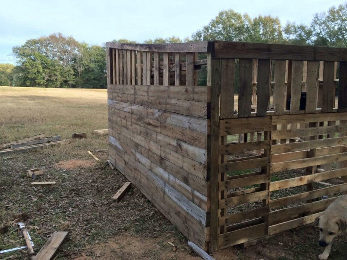 Pallet house wall framing