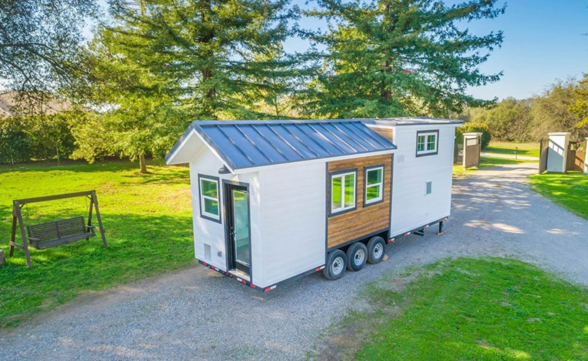 28 foot two toned tiny house in drive
