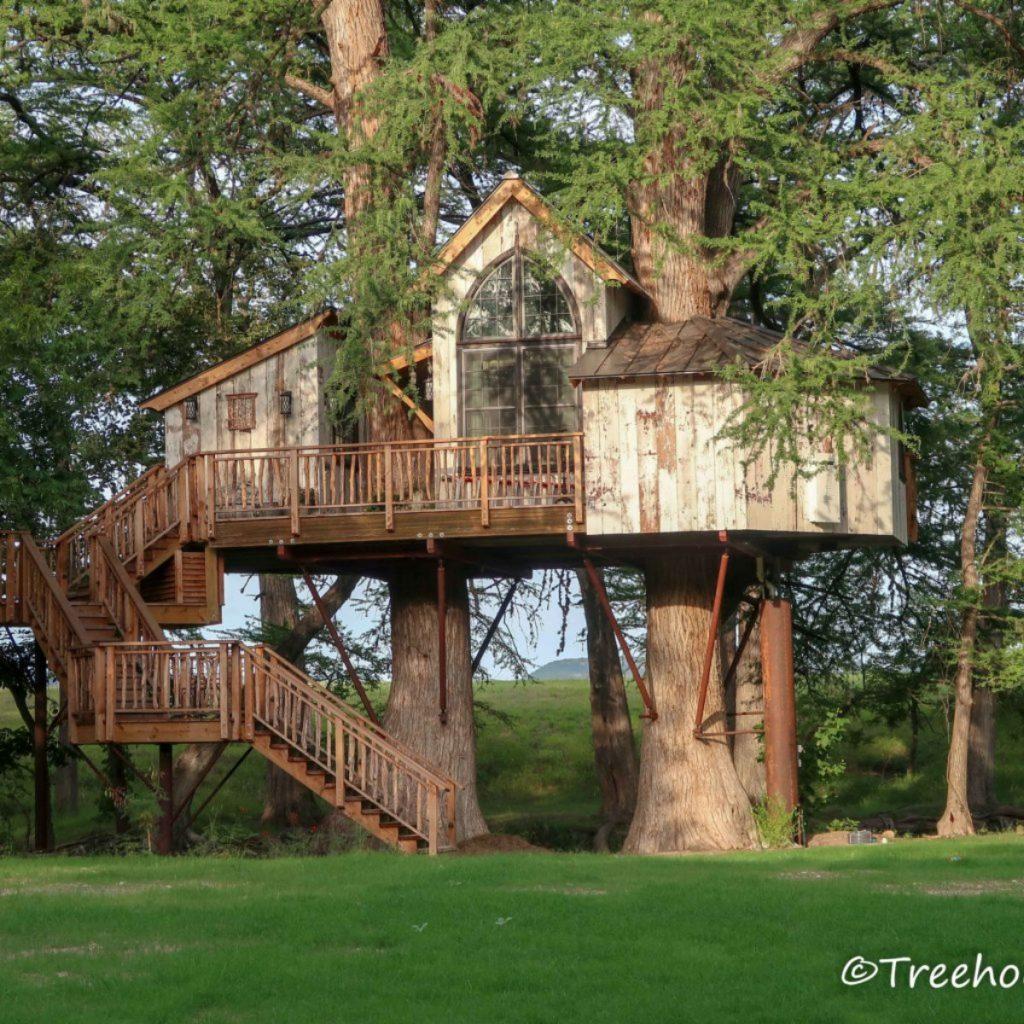 Utopia Chapelle Treehouse