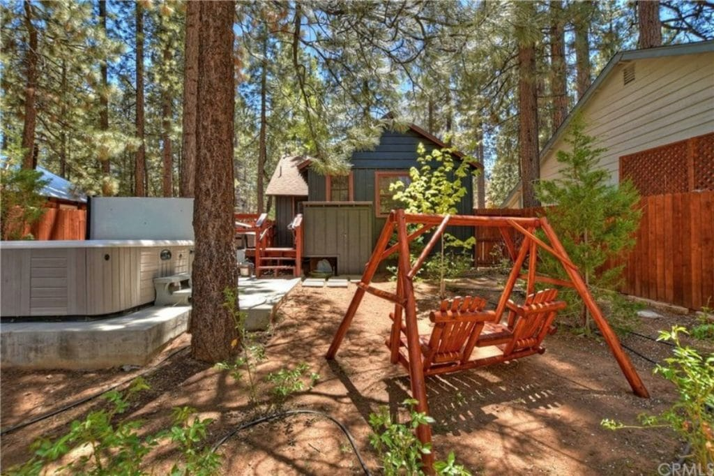 Backyard of big bear cabin