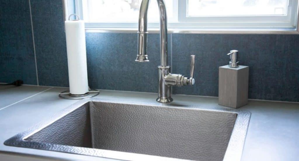 Deep kitchen sink in the swan