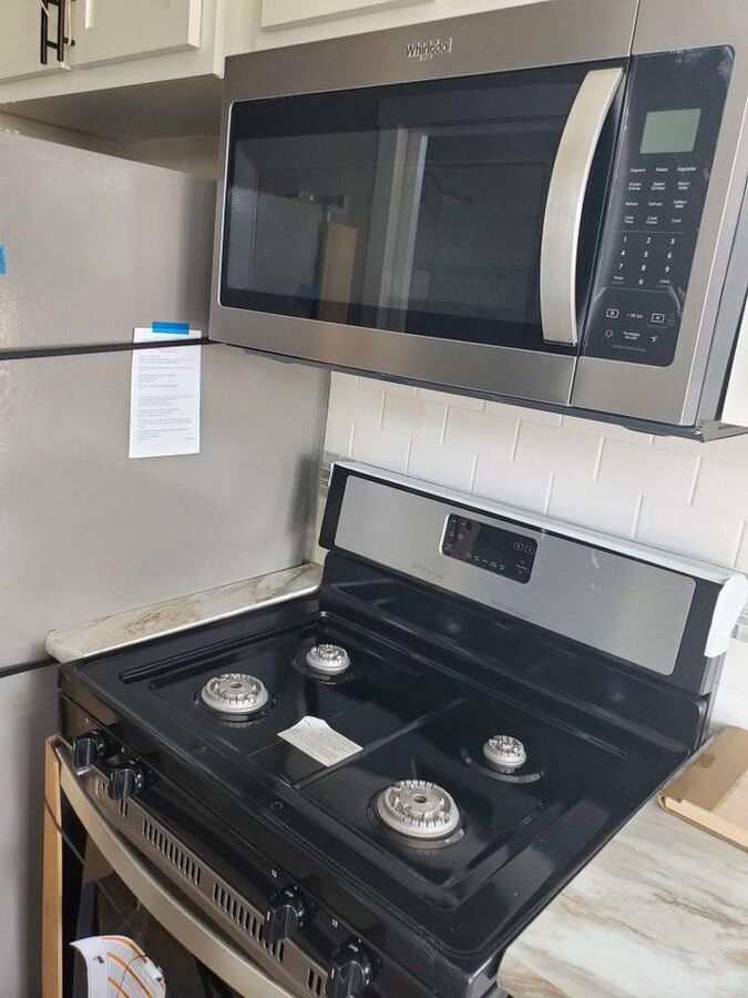Stainless steel cooktop and microwave