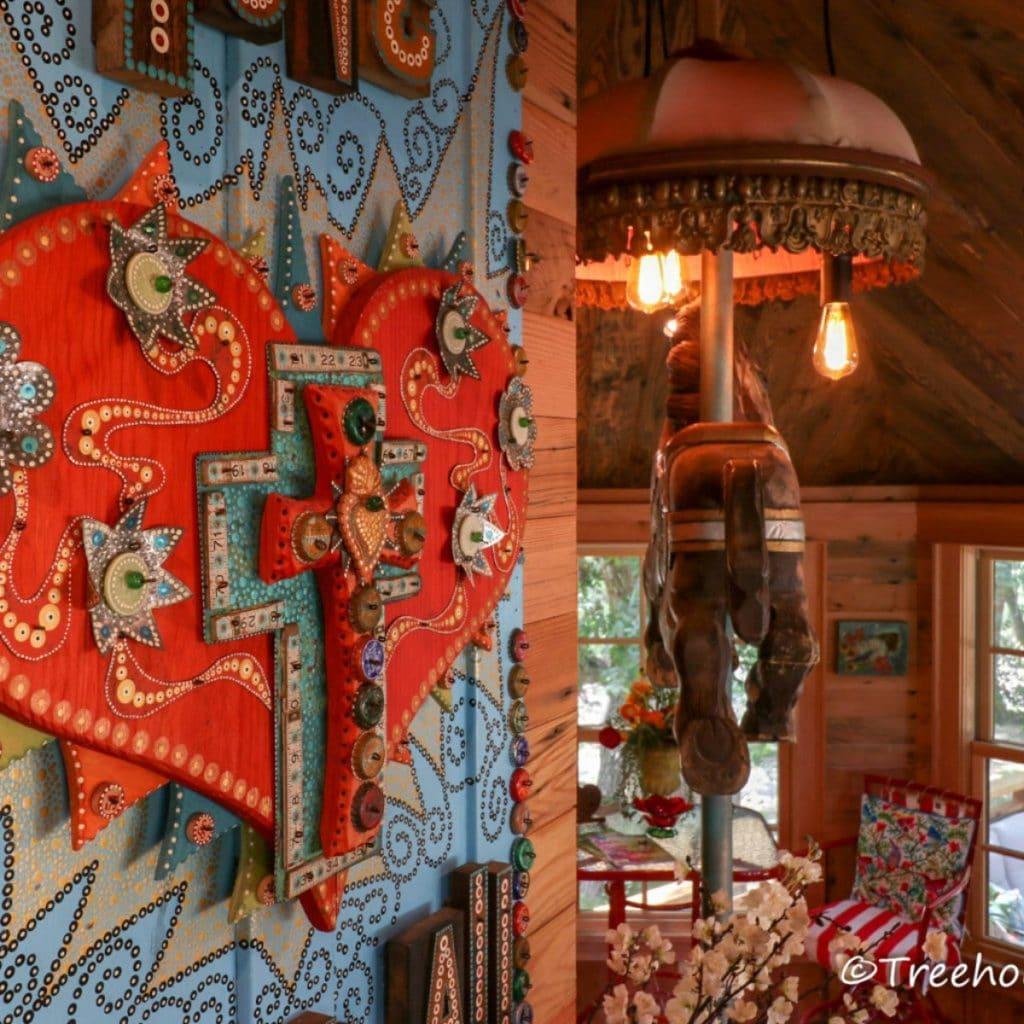 Cross wall in carousel treehoue