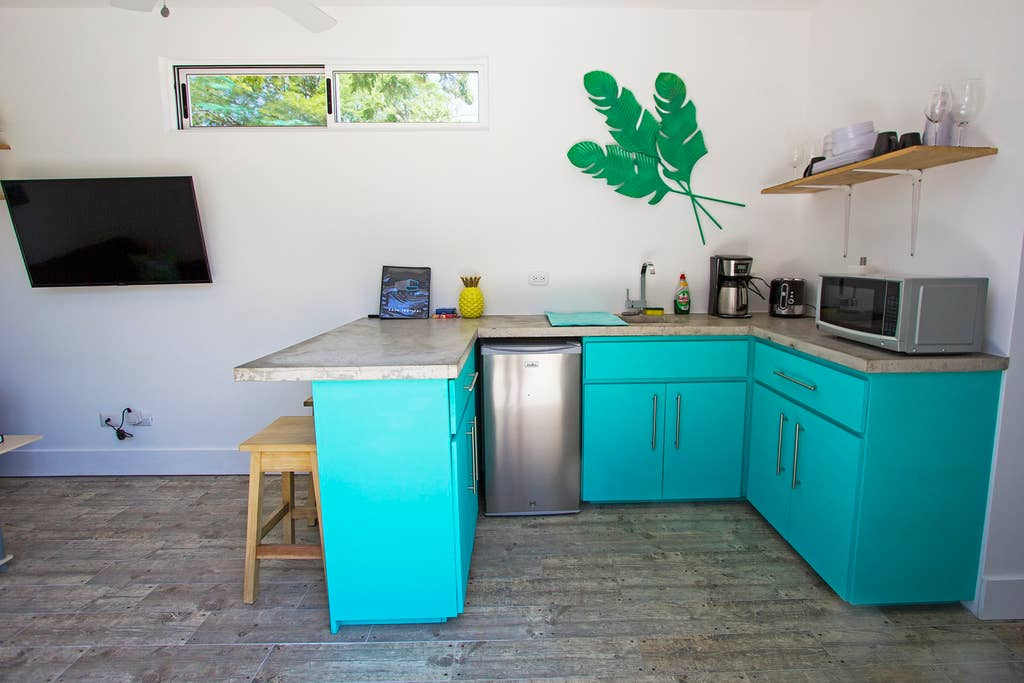 Teal counter kitchenette