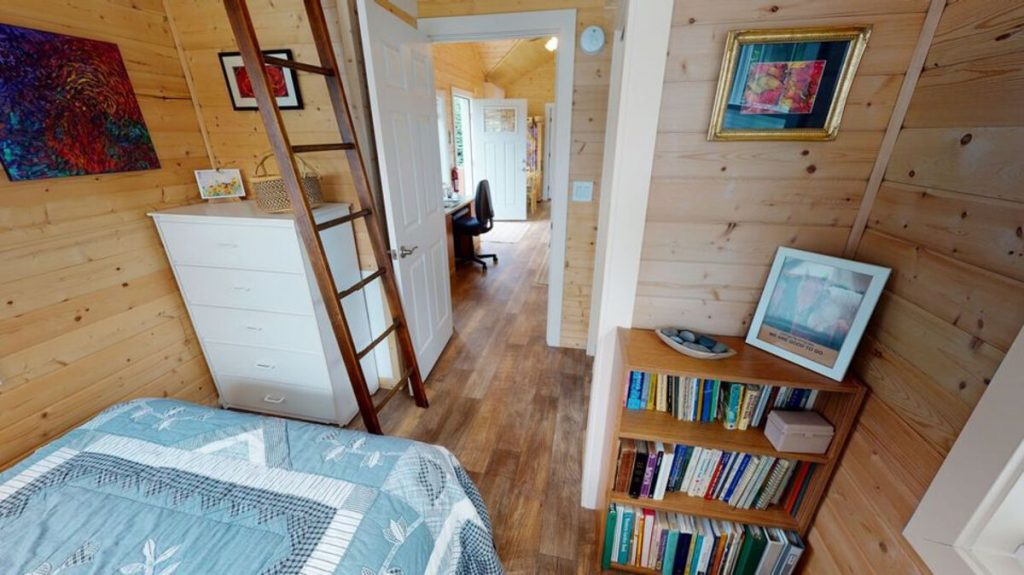 Ranch family tiny house bedroom