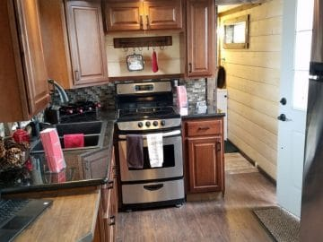 Rolling cabin kitchen
