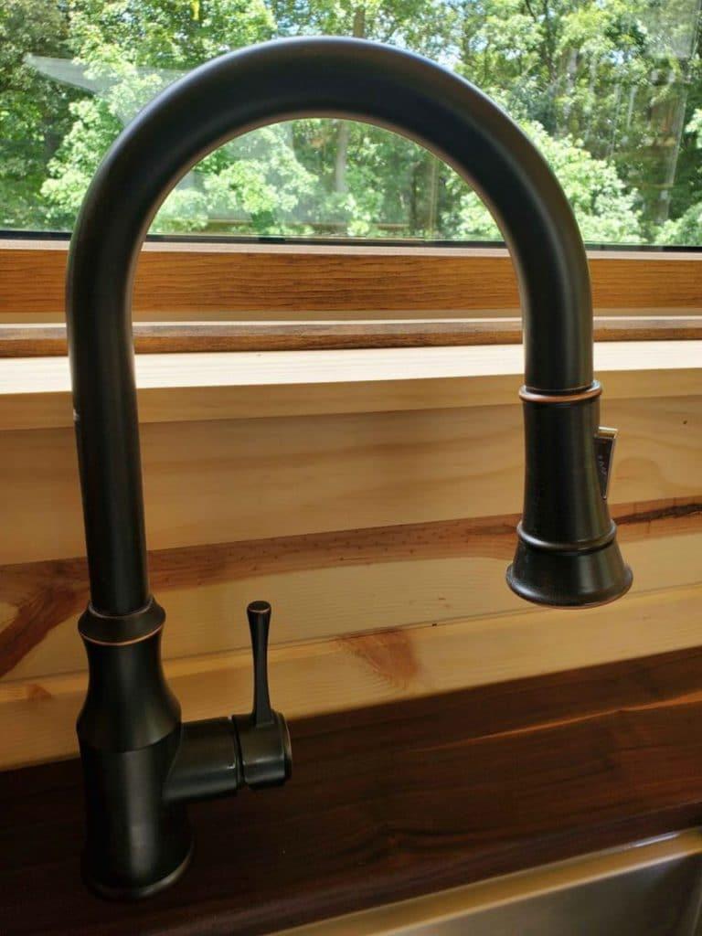 Farmhouse style faucet
