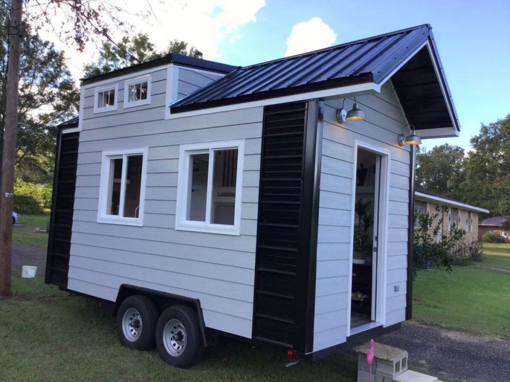 Modern Style Meets Cozy In This Tiny House On Wheels Tiny Houses