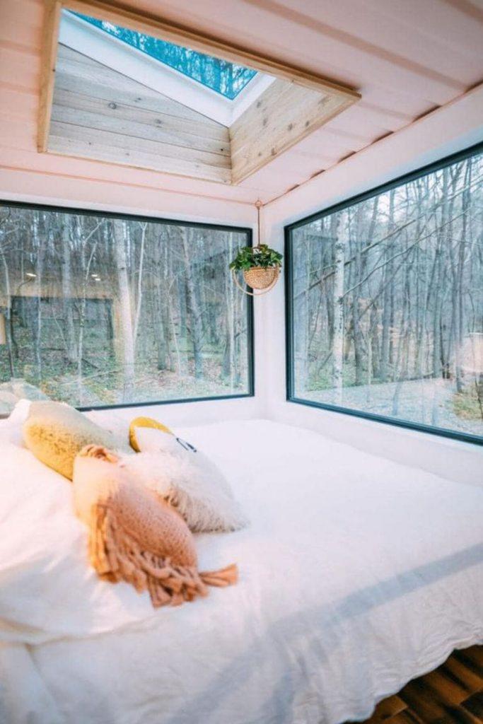 Windows around bed