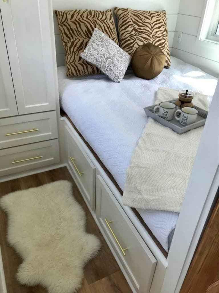 Captains bed in tiny house