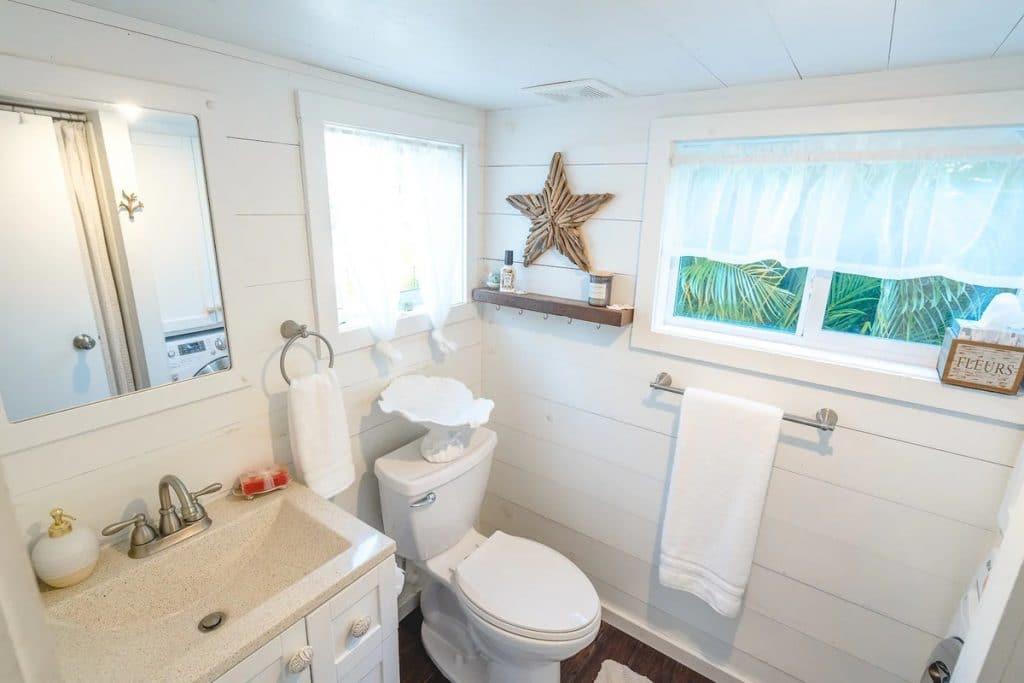 White tiny bathroom