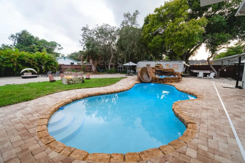 Kidney shaped in ground pool