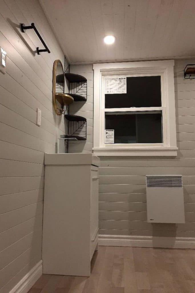 New Brunswick tiny house bathroom