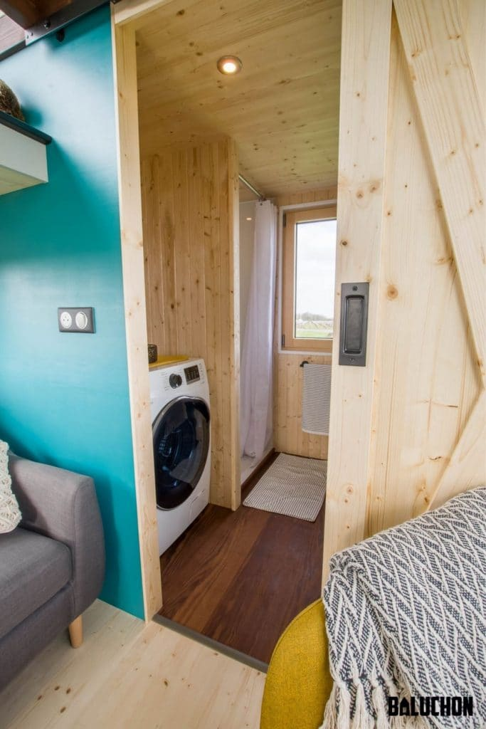 Laundry and shower in tiny house