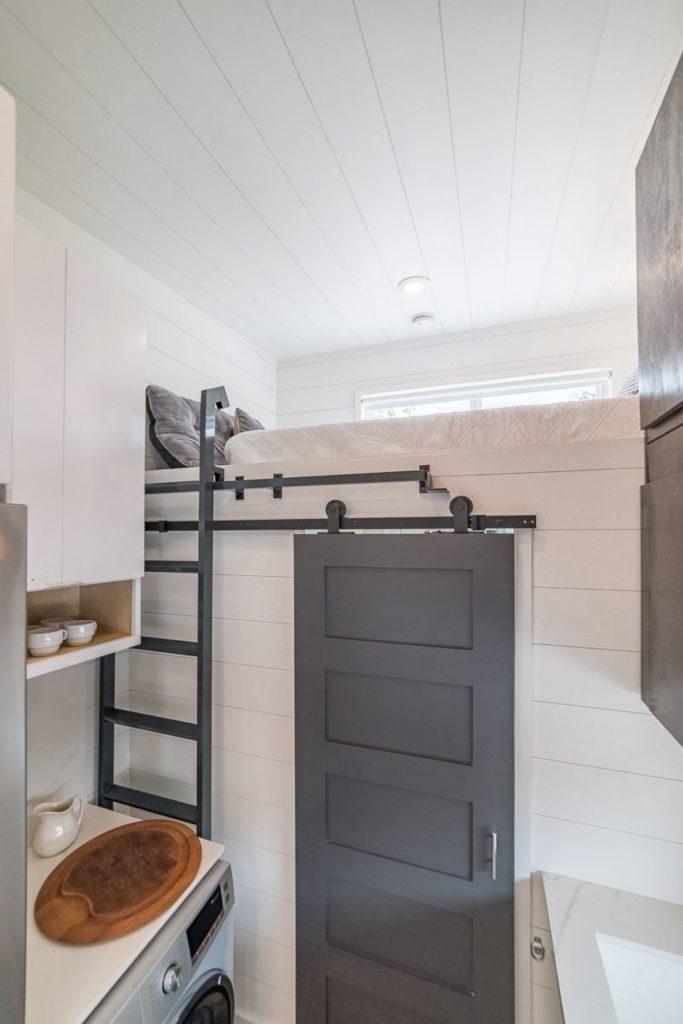 Barn door closure to bedroom